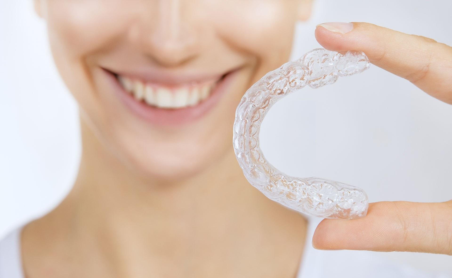 Ortodoncia invisible. Sonríe, tu clínica dental en Barcelona